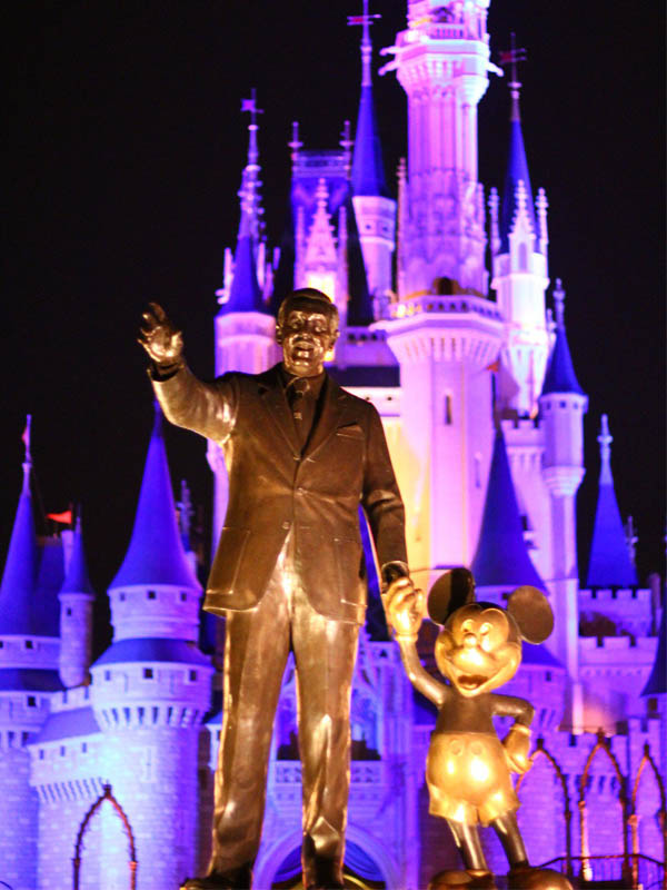 Partners Statue at Walt Disney World at night